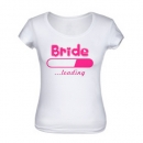 "T-Shirt ""Bride Loading"" in weiß/pink"